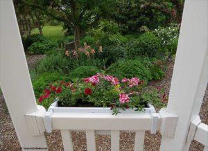 adjustable railing planter